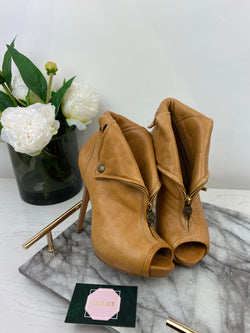 Alexander McQueen Tan Leather Jacket Heels Size 38