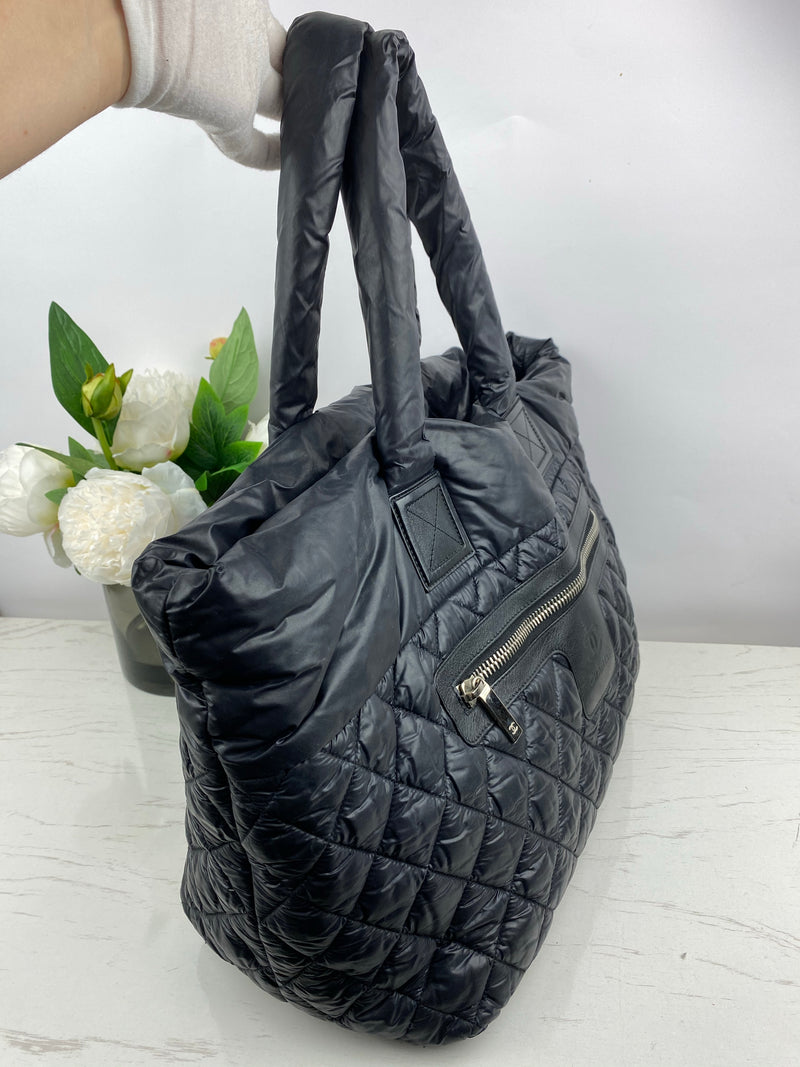 Chanel Nylon Quilted Puffer Tote Handbag in Black