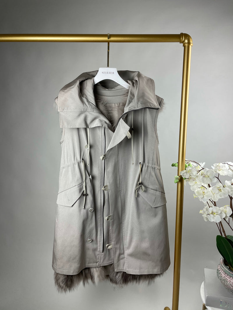 Vera Wang Stone Colour Sleeveless Coat 38 (UK10)