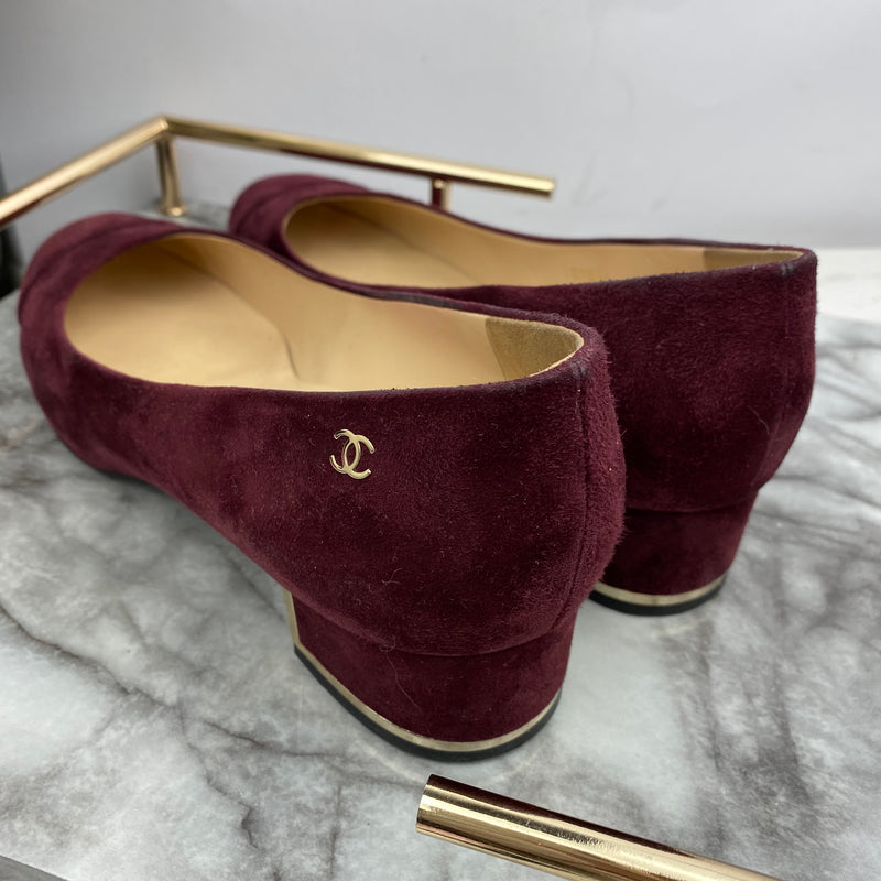Chanel Burgundy Suede Low Heels Size 40.5