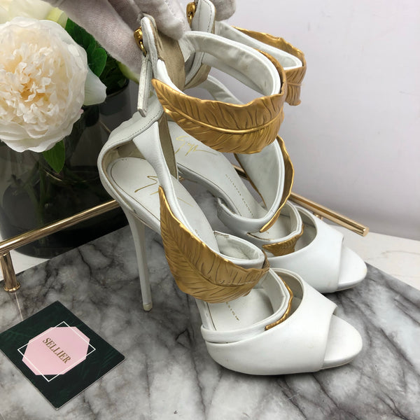 Giuseppe Zanotti White and Gold Feather Heels Size 35