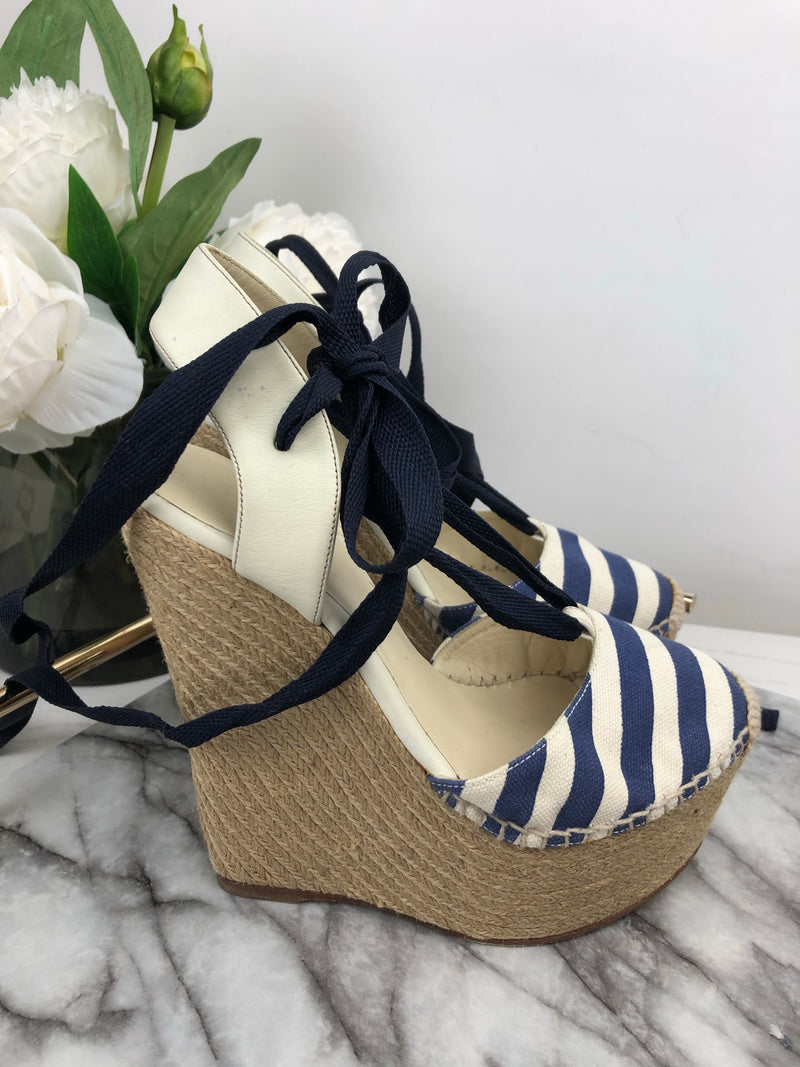 Gucci Navy and White Canvas Wedges Size 35.5