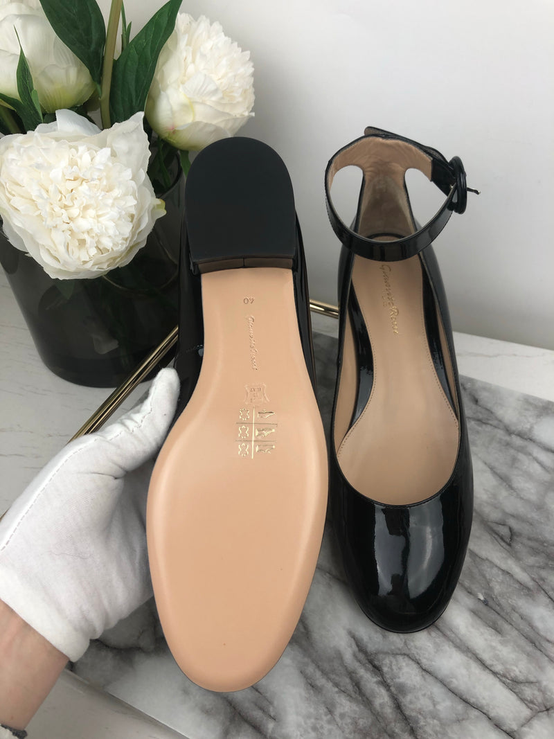 Gianvito Rossi Patent Black Pumps Size 40