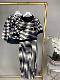 Gucci Houndstooth Wool Dress with Cape Size 40 (UK8)