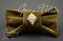Load image into Gallery viewer, Green Velour Dog Bow Tie