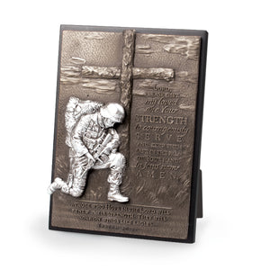 Plaque-Moments Of Faith: Kneeling Soldier w-Easel Back (Isaiah 40:31) (#20767)