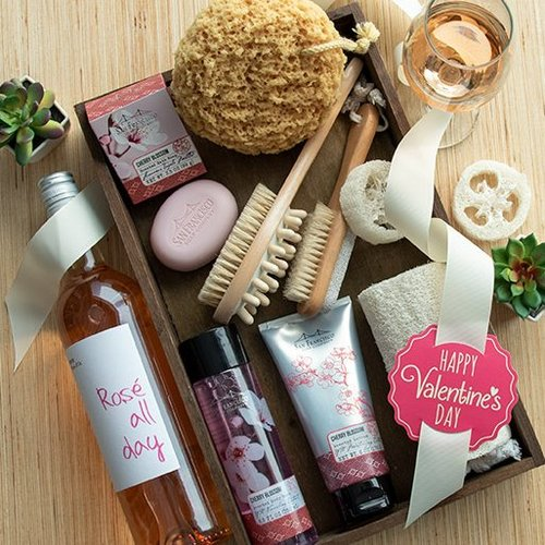 Valentines Day Wine & Spa Romance Gift
