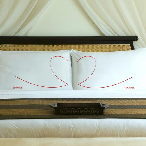 Personalized Romantic Red Heartstrings Pillow Case Set