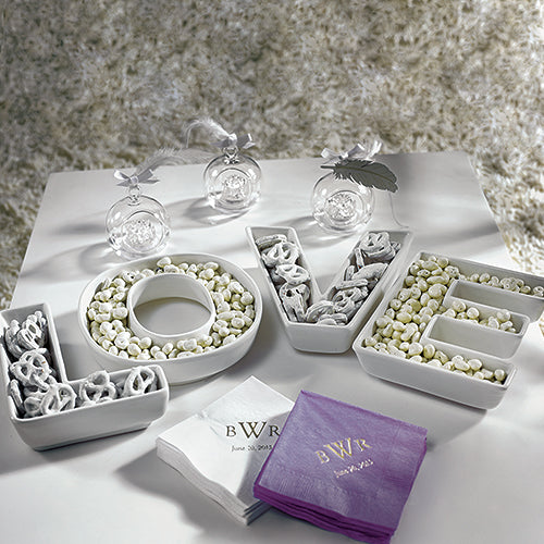 """LOVE"" Plates Set (Pack of 1)"