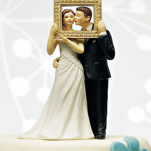 """Picture Perfect"" Couple Figurine Light Skin Tone (Pack of 1)"