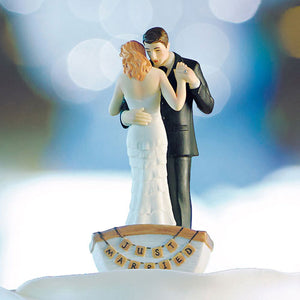 """Row Away"" Wedding Couple in Rowboat Figurine (Pack of 1)"