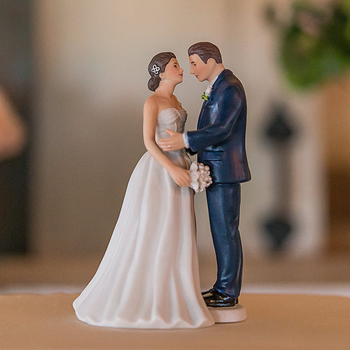 Contemporary Vintage Bride and Groom Porcelain Figurine Wedding Cake Topper Bride (Pack of 1)