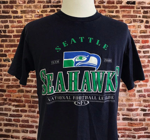 Vintage 90's SEATTLE SEAHAWKS Men's Medium Tee Shirt made by Lee Sport RARE