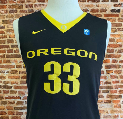 Vintage Carlos Emory OREGON DUCKS Basketball Men's Small Stitched Swingman #33 Jersey RARE made by Nike