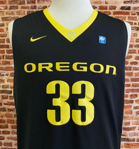 Vintage Carlos Emory OREGON DUCKS Basketball Men's Large Stitched Swingman #33 Jersey RARE made by Nike