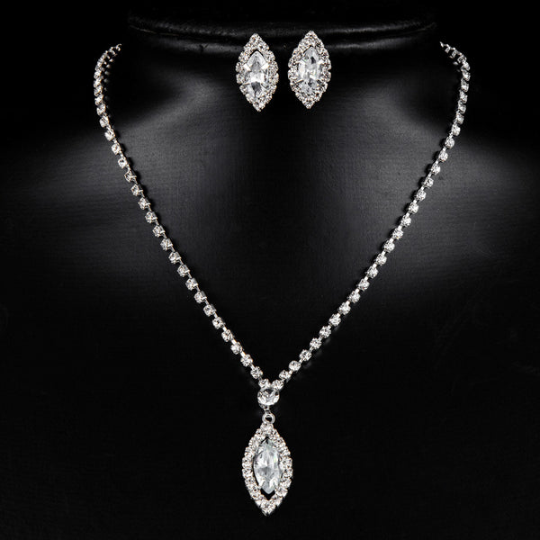 Solitary Pendant-Style Necklace with Stud Earrings