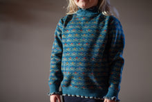 Load image into Gallery viewer, Girls Fleece Lined Ski Sweater