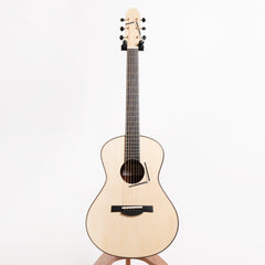Spohn Model 00 Acoustic Guitar, Fiddleback Mahogany & Moon Spruce