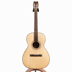 Maestro Traditional Series 00-IR AH Acoustic Guitar, Indian Rosewood & Adirondack Spruce
