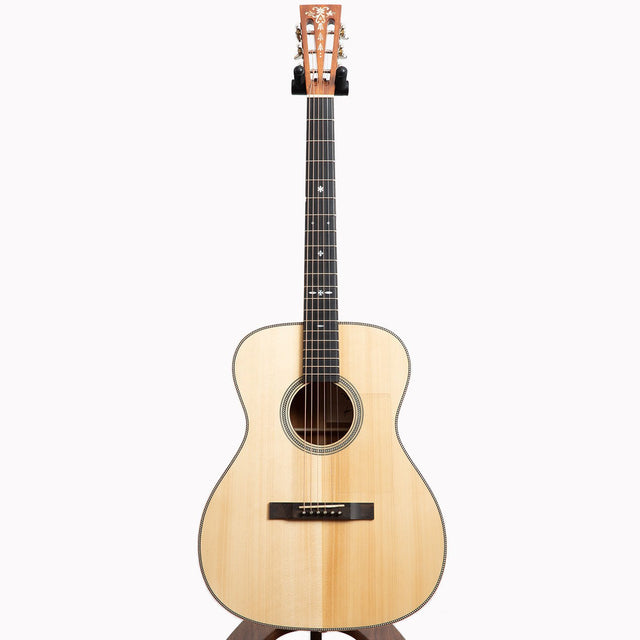 Maestro Traditional Series OM-MH Acoustic Guitar, Khaya Mahogany & Torrefied Adirondack Spruce