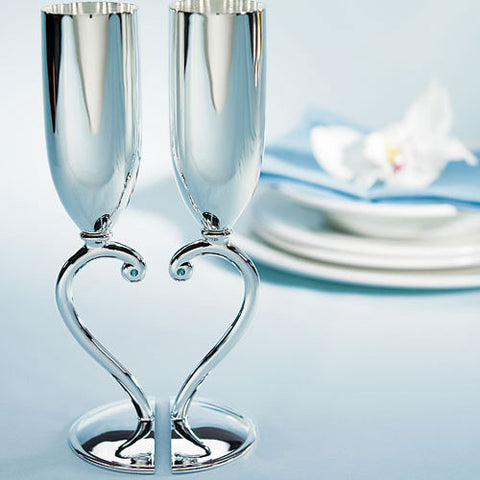 Classic Styling Interlocking Heart Stem Toasting Goblets