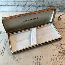 Load image into Gallery viewer, Vintage Sheaffer box