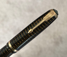 Load image into Gallery viewer, Parker Vacumatic Debutant, Golden Pearl