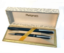 Load image into Gallery viewer, Platinum Silverline Fountain pen & Pencil set