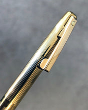 Load image into Gallery viewer, Sheaffer Imperial, G/P Fluted, Thin lined pattern