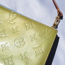 Load image into Gallery viewer, Vintage Louis Vuitton Green Vernis Pochette