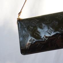 Load image into Gallery viewer, Vintage Black Louis Vuitton Vernis Mini Pochette