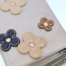 Load image into Gallery viewer, Vintage Louis Vuitton Flower Vernis Pochette