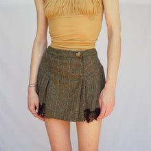 Load image into Gallery viewer, Vintage Dolce & Gabbana Pleated Mini Skirt