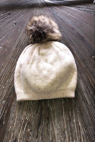 Natural  pompom hat -faux fur