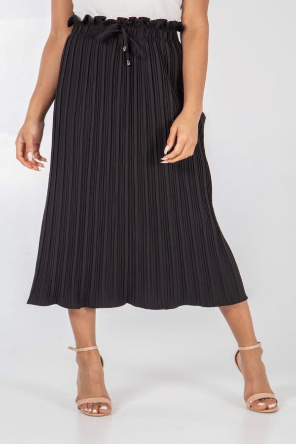 Black Paper Bag Waisted pleated Skirt