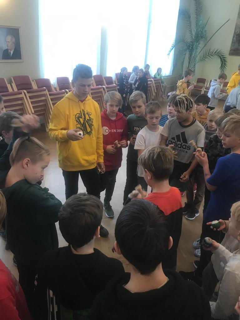 Kendama trip in Elva, Jõhvi and next to border of Russia in Narva