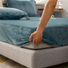 Load image into Gallery viewer, Velvet Mattress Protector - Les Value