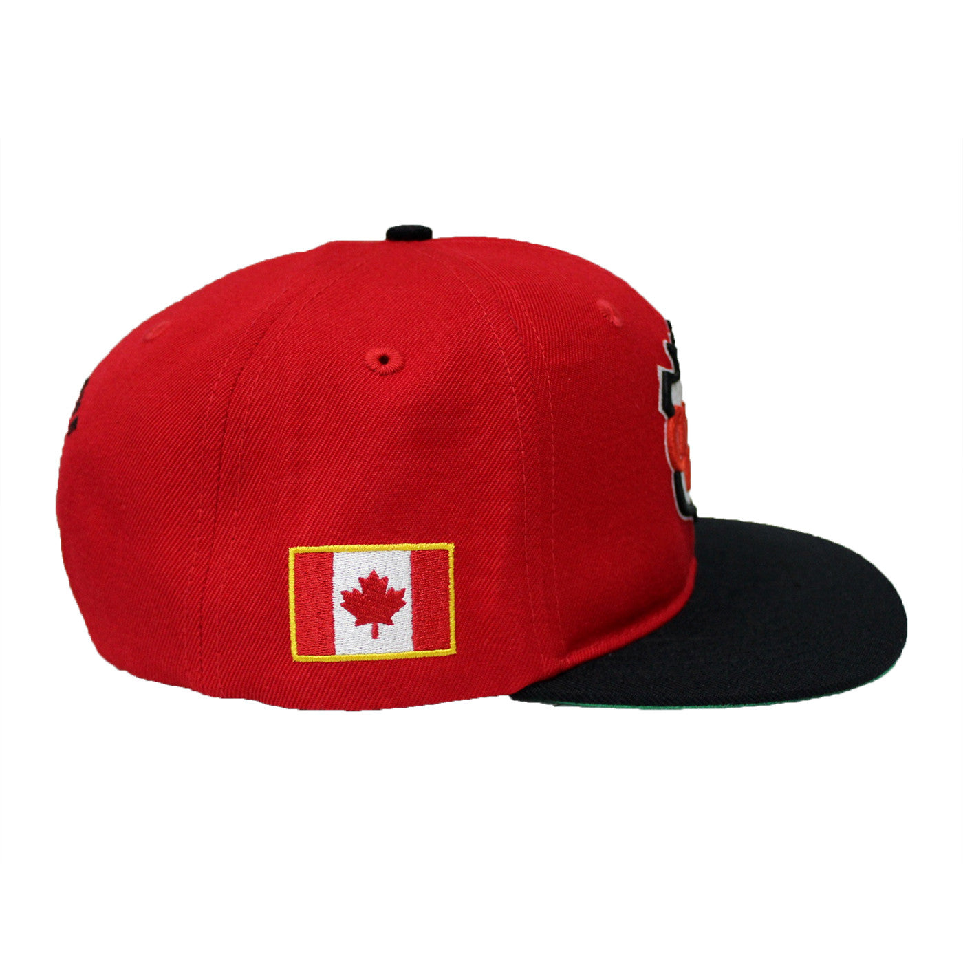 Red / Black Canada Fly Snapback  ( 150th Canada Edition )