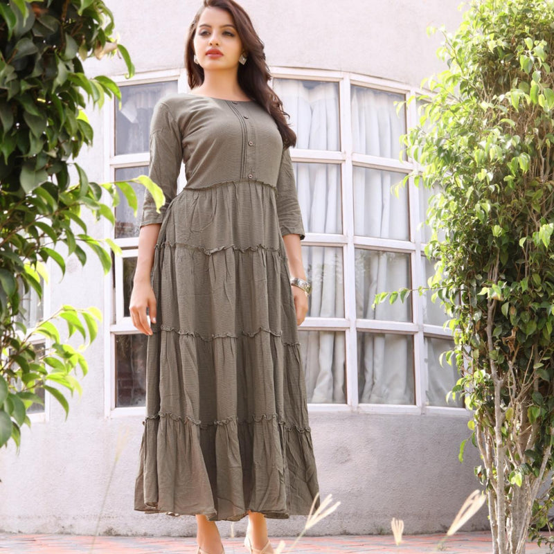 Green cotton dress with symmatrical lining print