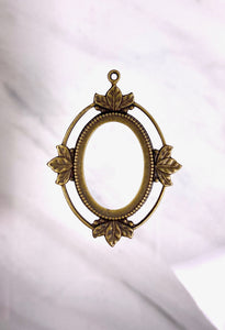"""Open Frame Leaf Pendant"" Antique Brass (34mm x 45mm Outer)(14.9mm x  21.7mm Inner)"
