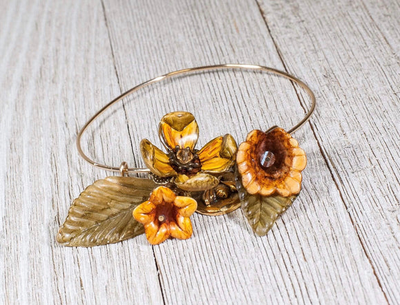 ADJUSTABLE BANGLE CUP FLOWER BRACELET