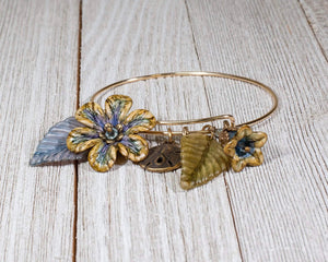 ADJUSTABLE BANGLE DAISY BRACELET