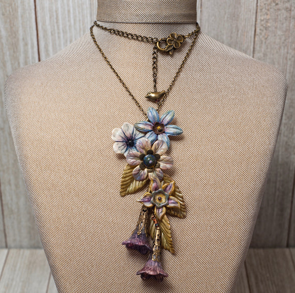 HAWAIIAN WATERFALL NECKLACE KIT WITH HAND-PAINTED LUCITE FLOWERS