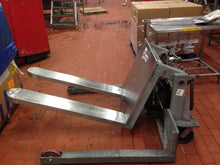 Load image into Gallery viewer, Stainless Combo Tilters - Superlift Material Handling