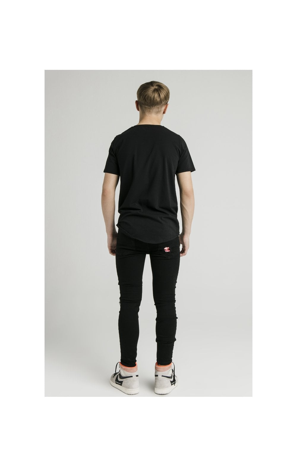 Load image into Gallery viewer, Illusive London S/S Core Tee - Black (6)