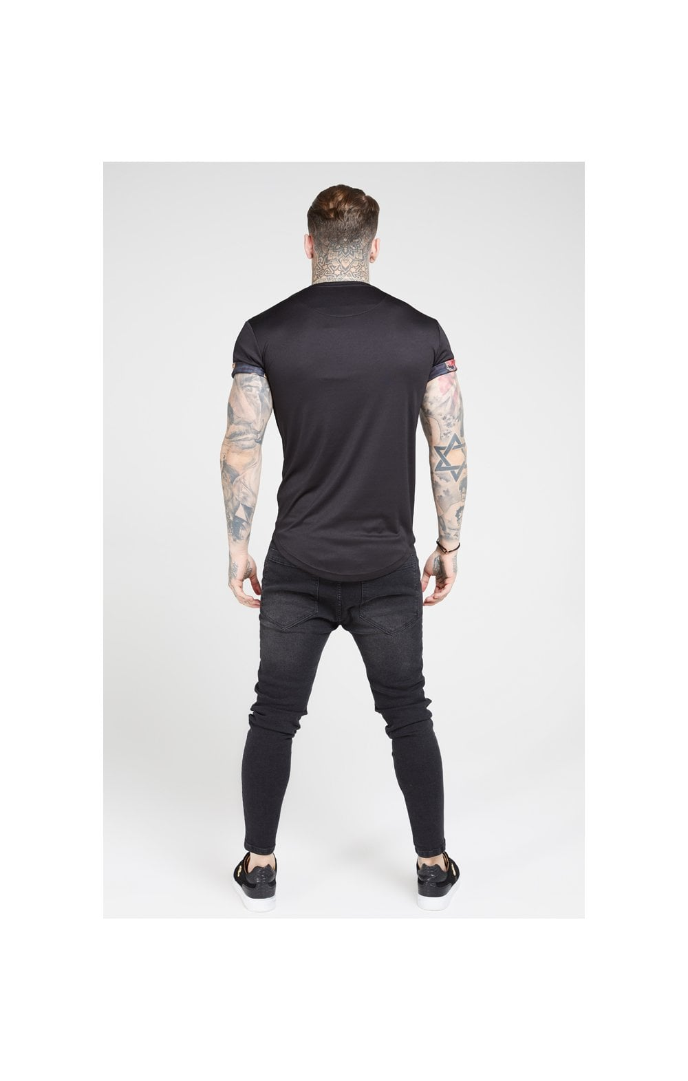 Load image into Gallery viewer, SikSilk S/S Roll Sleeve Tee – Black & Floral Animal (4)