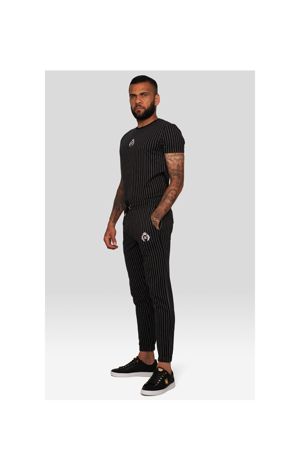 Load image into Gallery viewer, SikSilk x Dani Alves Curved Hem Gym Tee – Black & White (2)