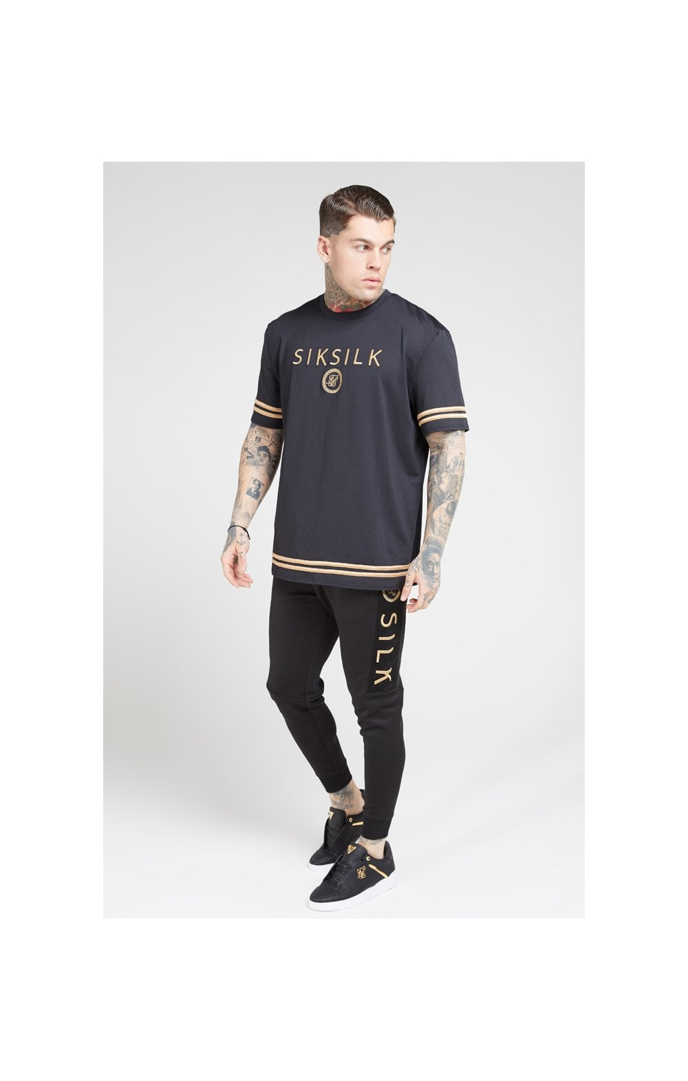 Load image into Gallery viewer, SikSilk S/S Oversize Essentials Tee – Black & Gold (4)