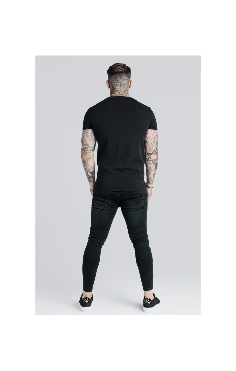 Load image into Gallery viewer, SikSilk Straight Hem Gym Tee - Black (5)