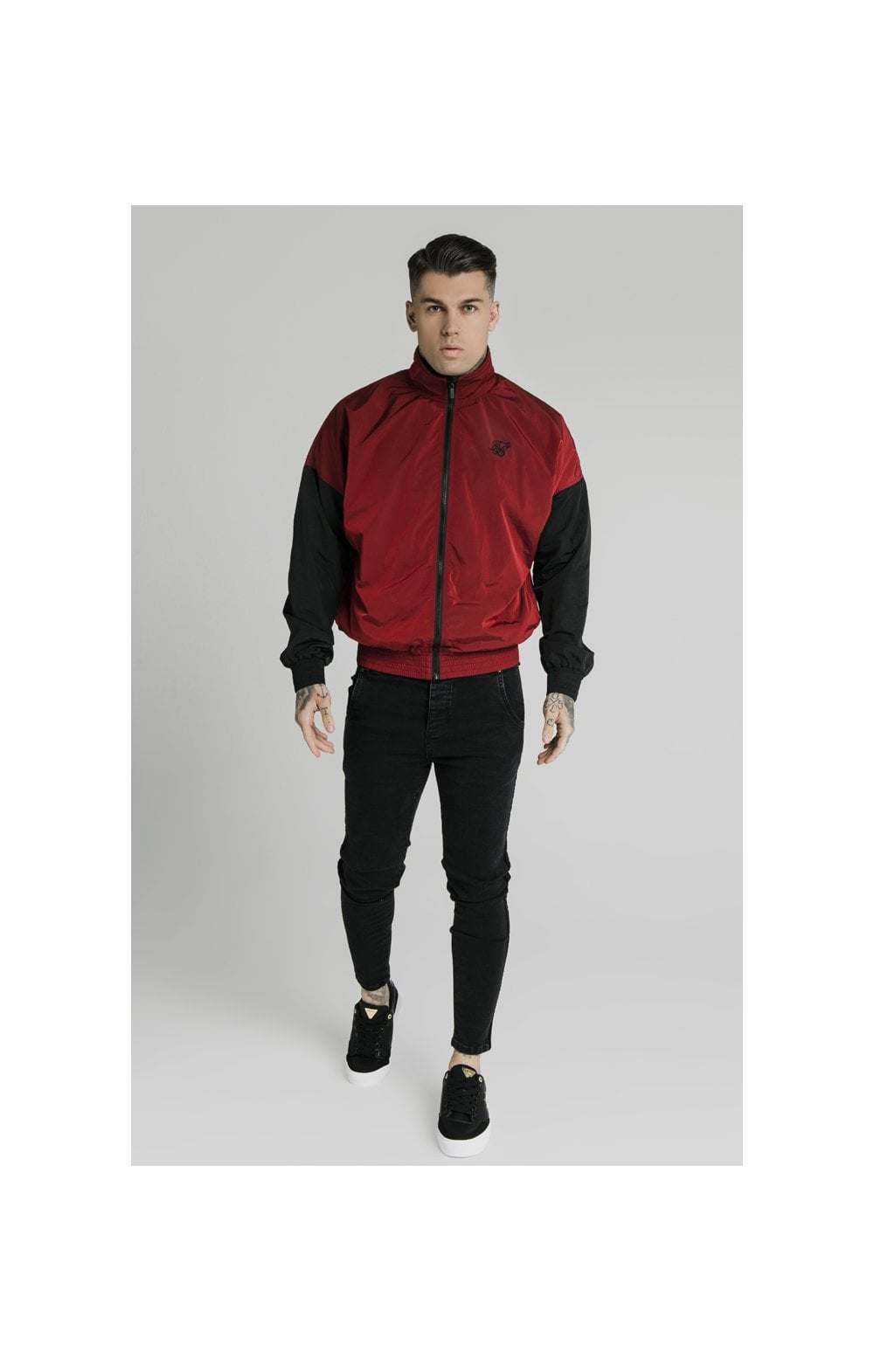 Load image into Gallery viewer, SikSilk Windrunner – Red & Black (5)